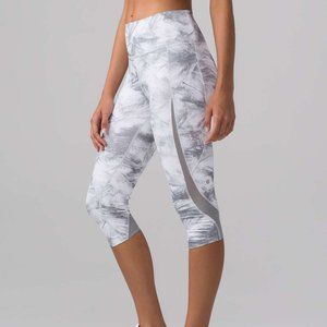 Lululemon Pace Perfect Crop Breeze By White 4 NEW